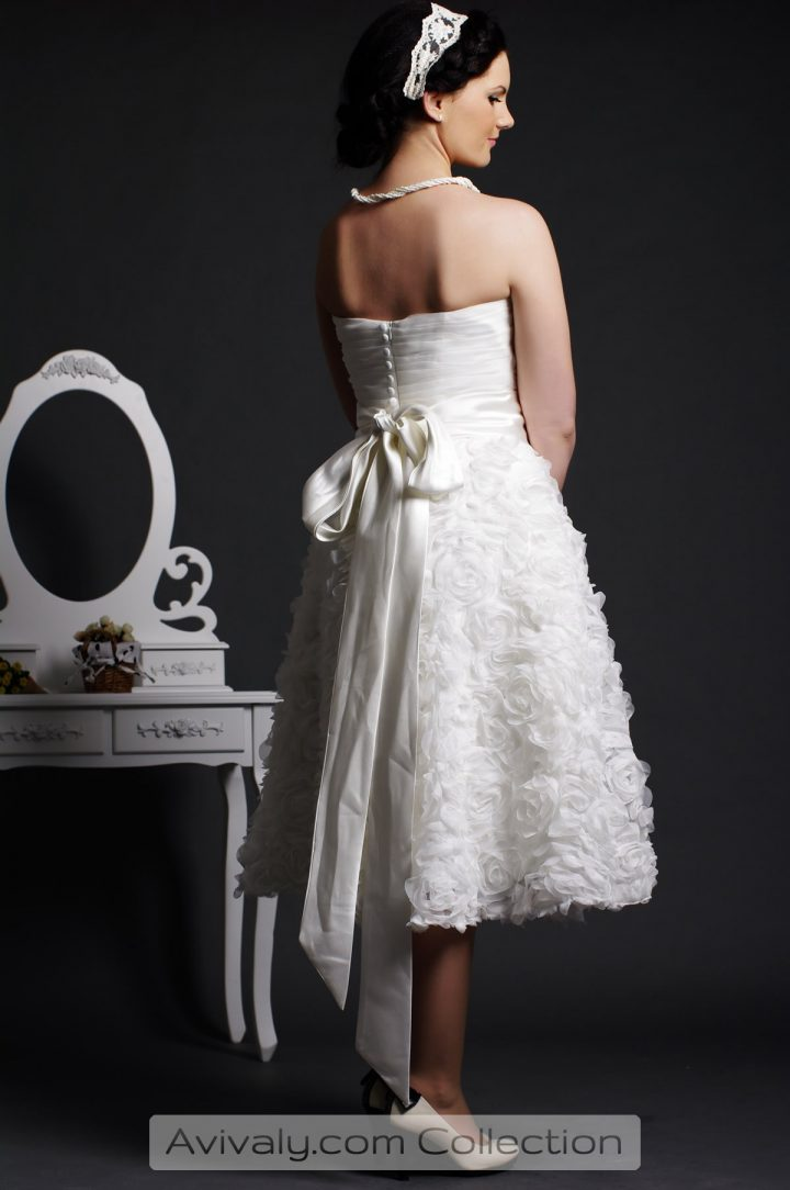 Conia - Buttoned Back, Sash Tied a Knot with Drapes