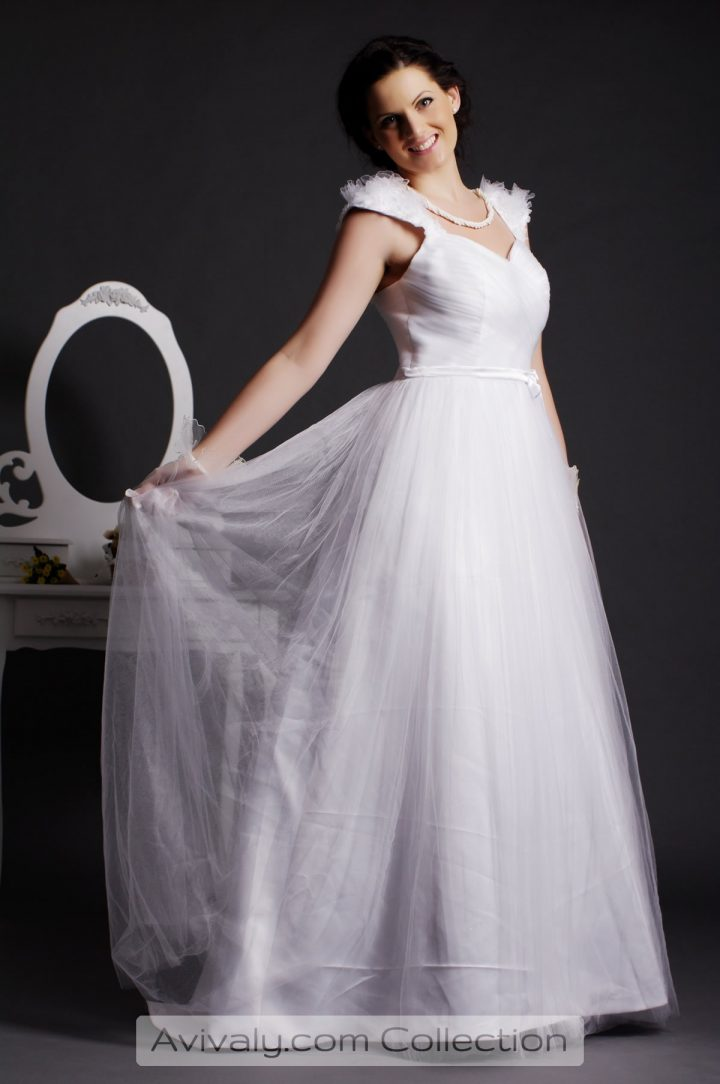Lapa - Fluffy Cap Sleeves Sweetheart Dress Tailored in Tulle with Pleated Skirt