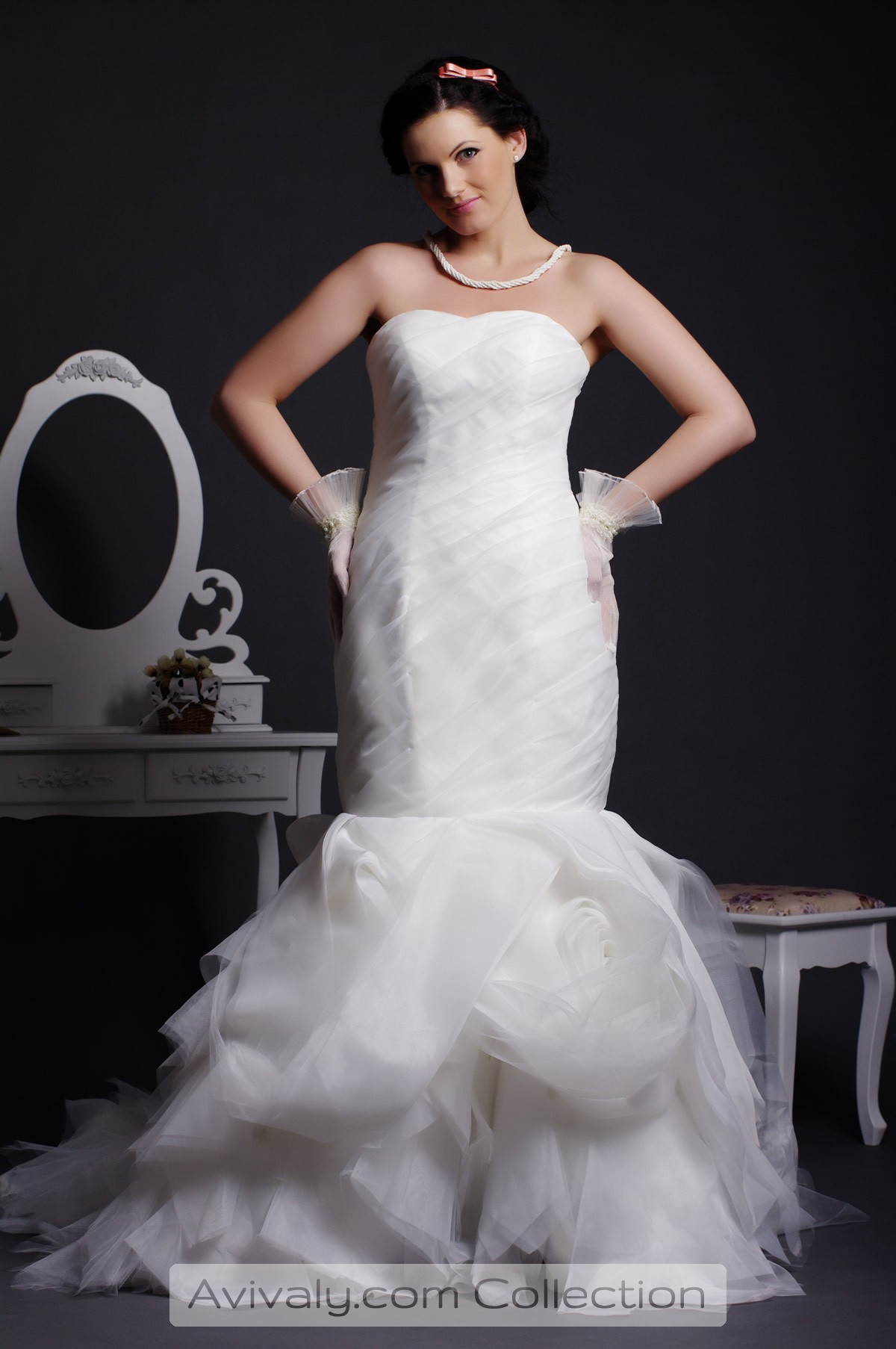 Millyrose - Exuberantly Tiered Skirt Sprays out of Slim Fitting Bodice for Strapless Mermaid Dress