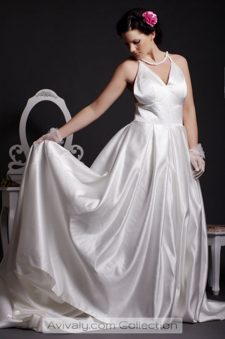 Simpility - Glossy Satin Floor Length Gown