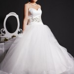 Whity - Free Flowing Wedding Dress