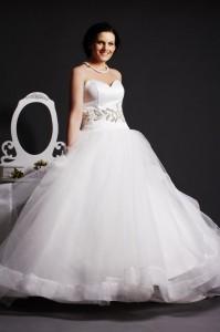 Whity - Free Flowing Wedding Dress