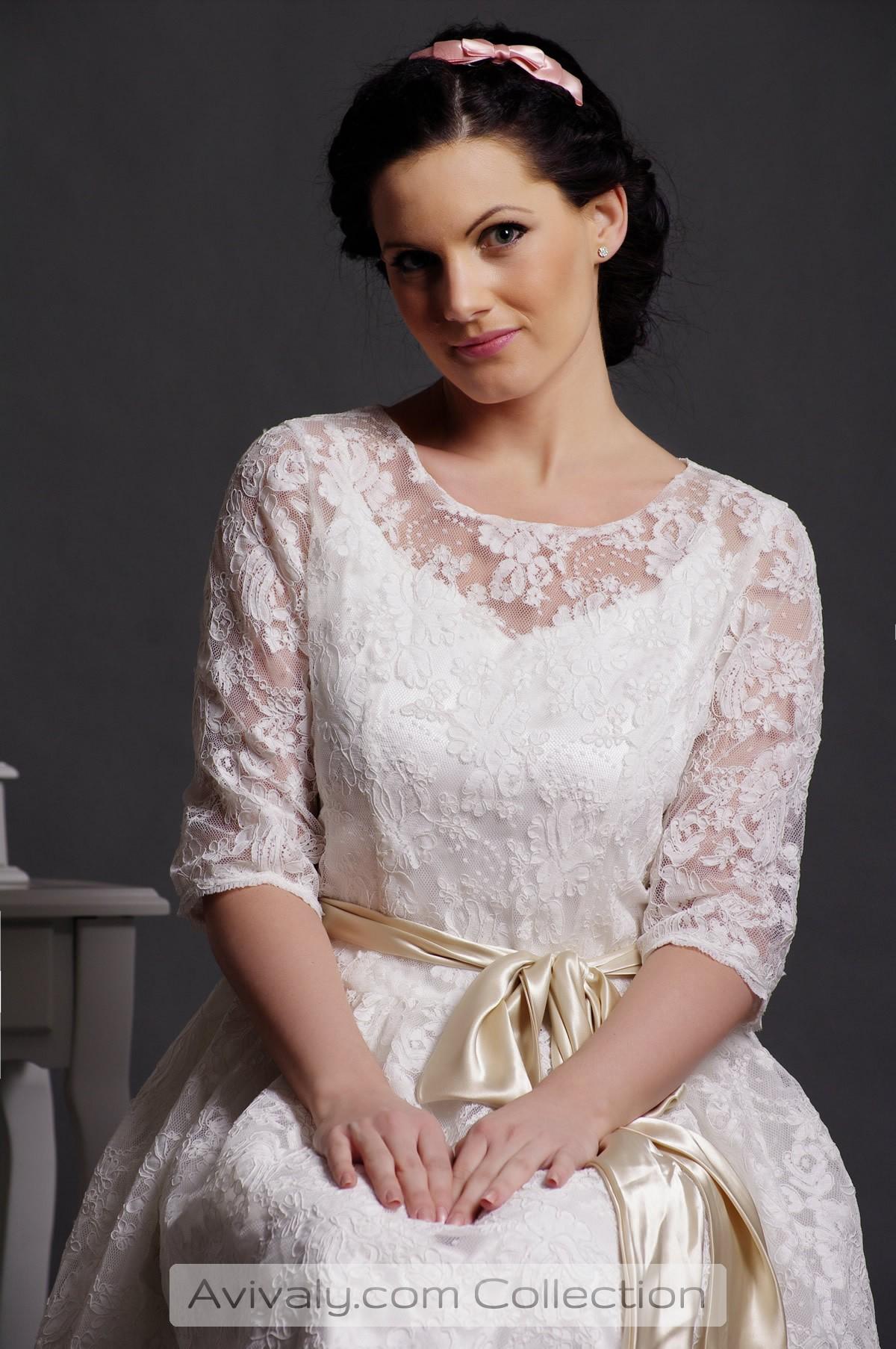 Zaza - Scoop Neckline & Half Sleeves Bodice in Sheer Lace