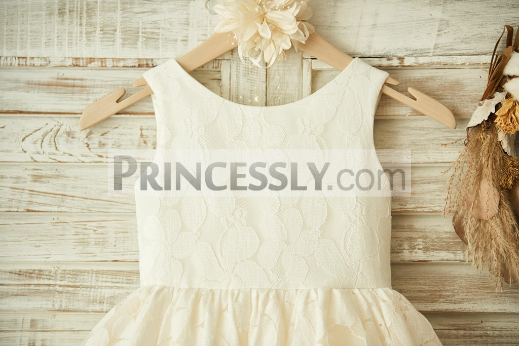 Fully Lined Bodice with Ivory Lace Overlay