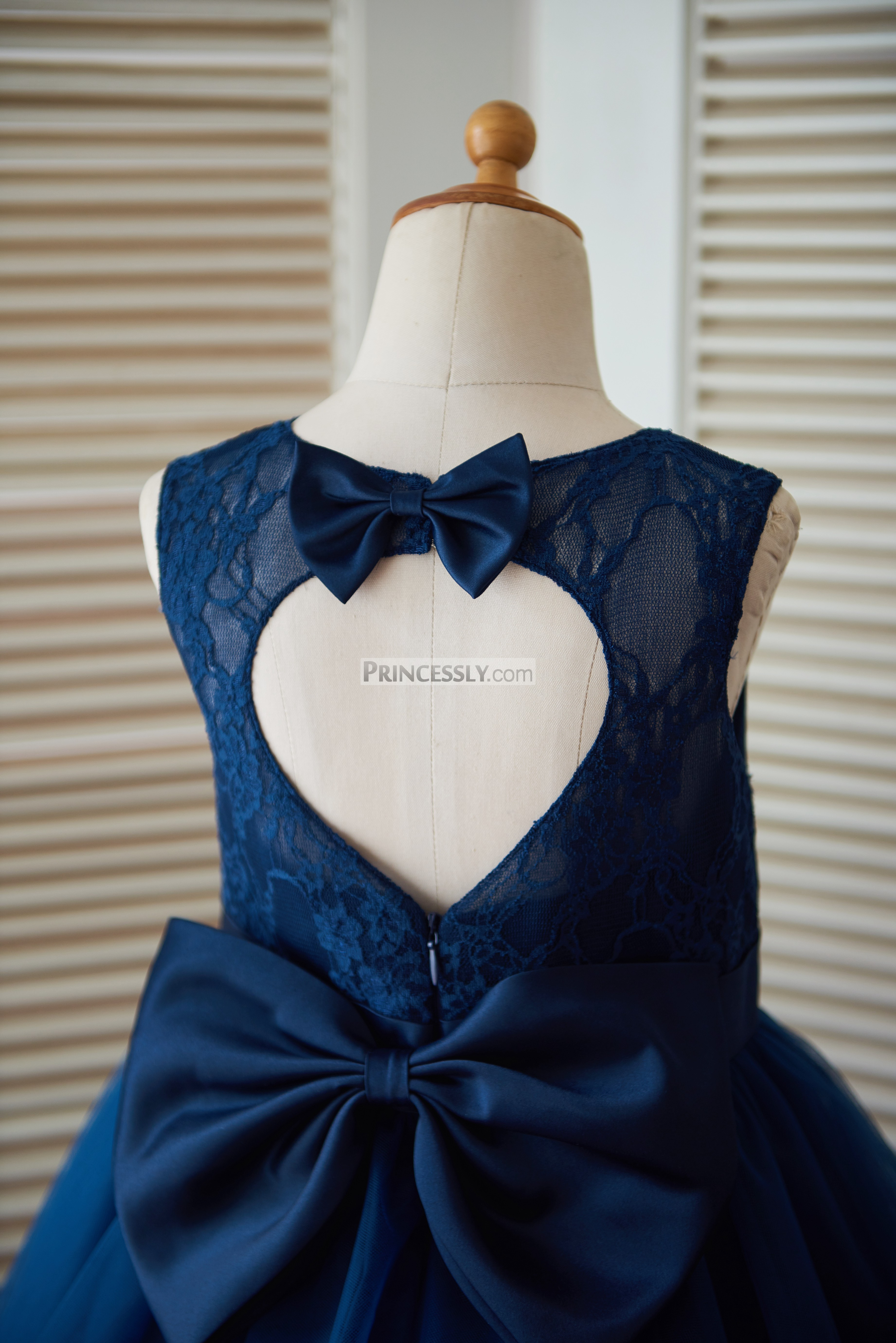 Navy blue lace tulle keyhole back wedding flower girl dress with keyhole back with bows izmirmasajfo