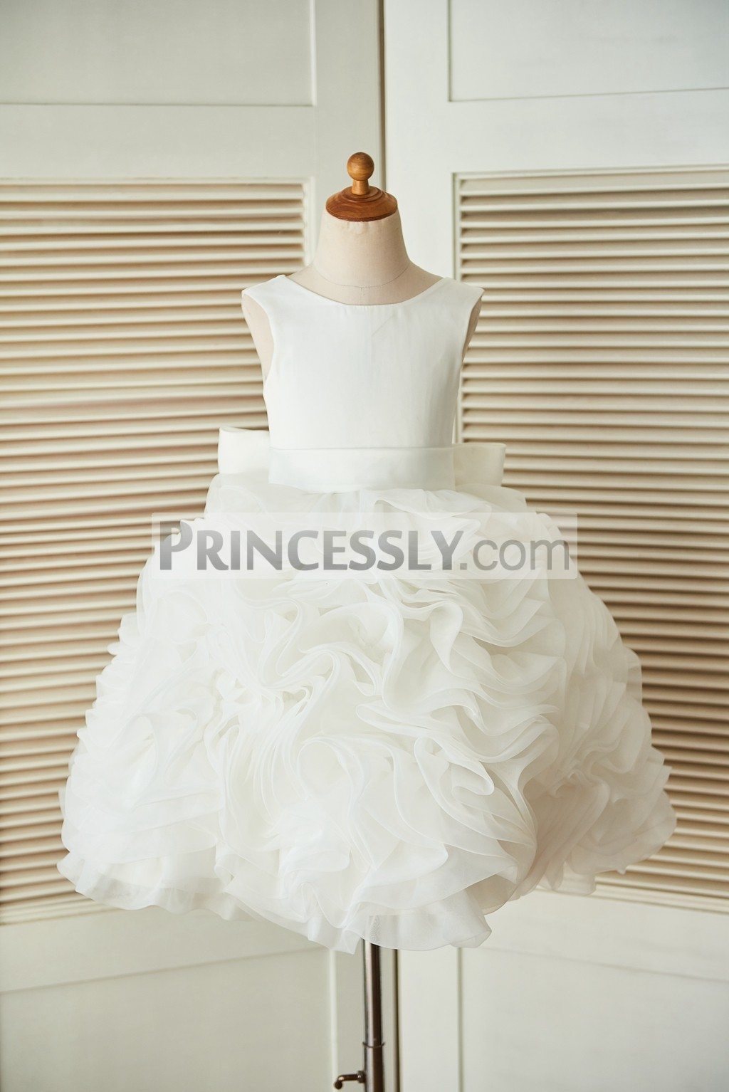 fce67d6ce700 Lace-up V back Ivory Satin Organza Rosette Ball Gown Flower Girl ...