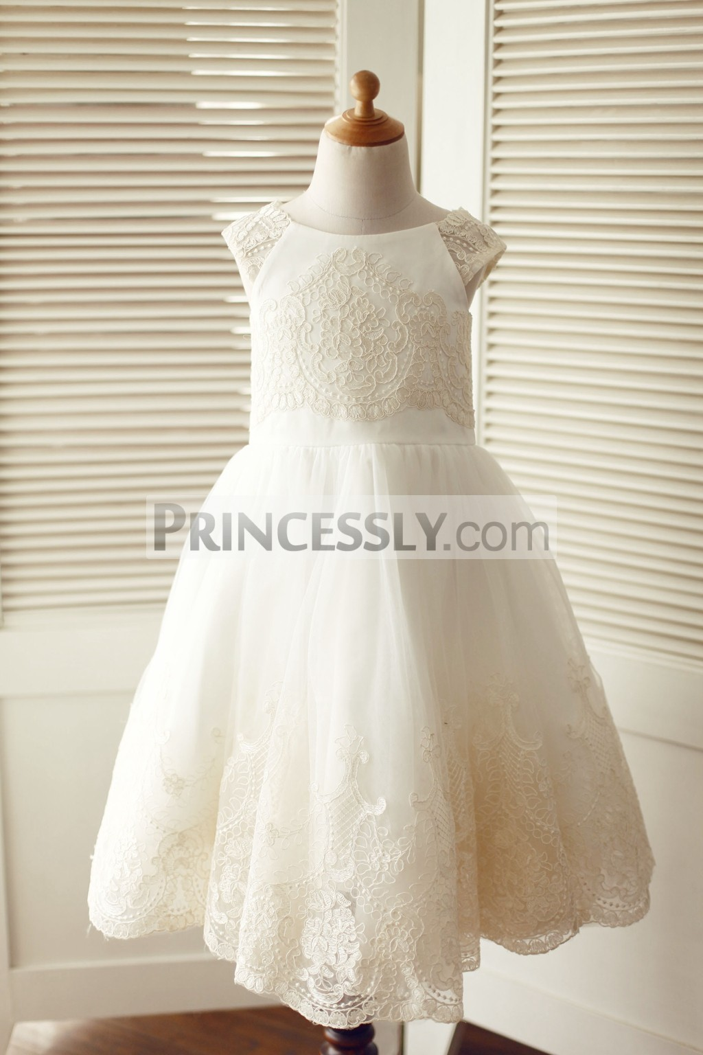 Cap sleeves champagne lace ivory tulle wedding flower girl for Ivory champagne wedding dress