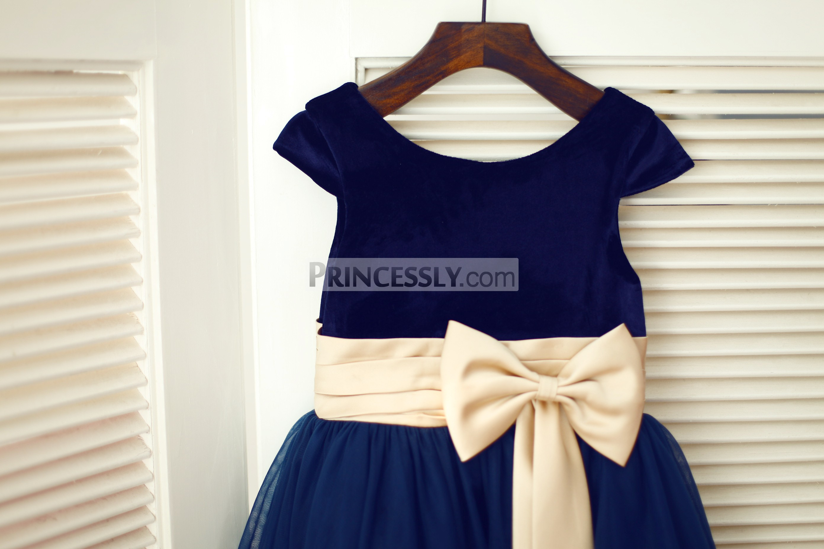 Scoop neckline cap sleeves navy blue velvet bodice with pre-made bow