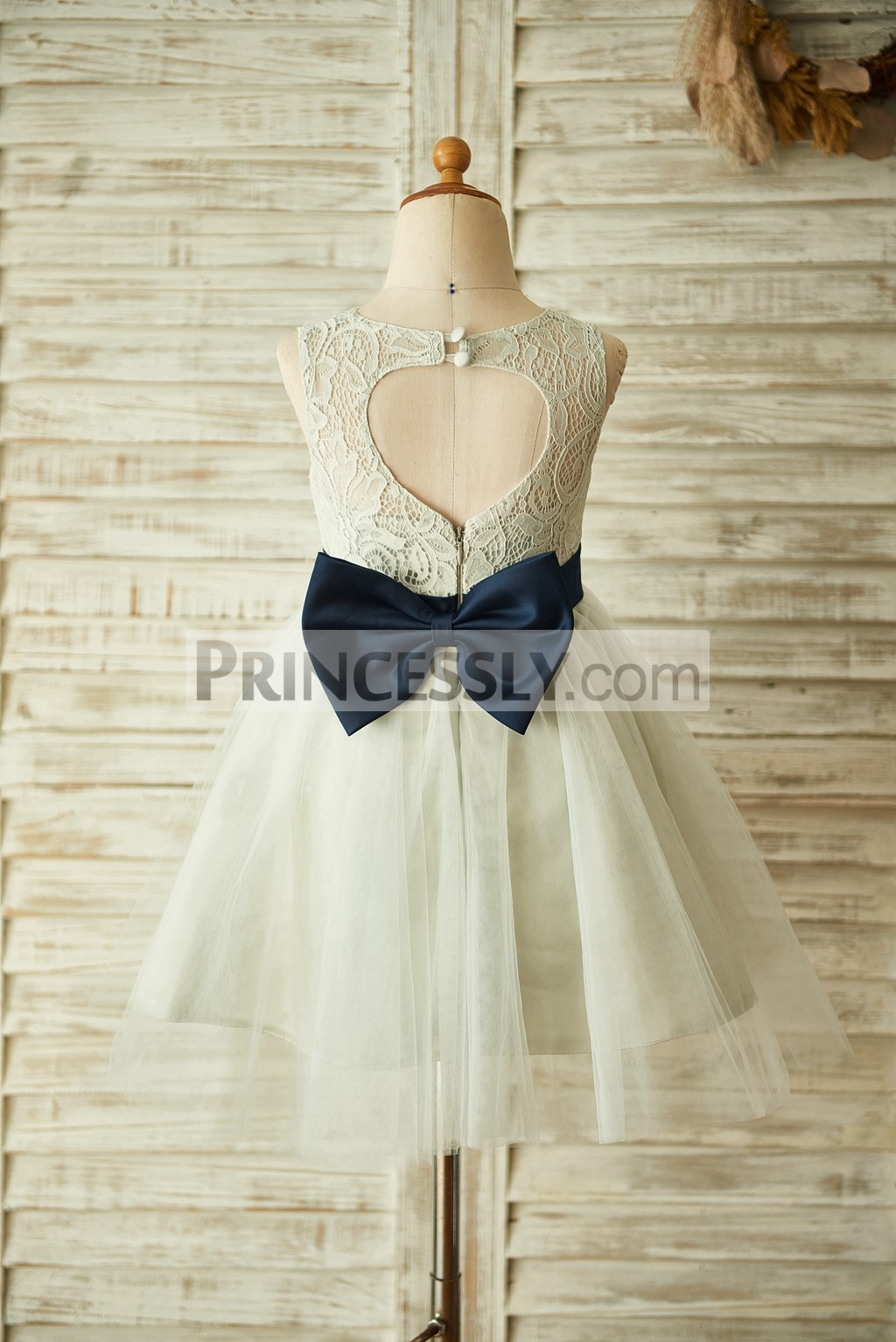 Keyhole back silver gray lace tulle flower girl dress