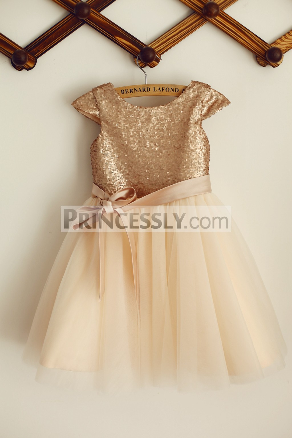 Cap Sleeves Champagne Sequins Tulle Flower Girl Dress with Sash