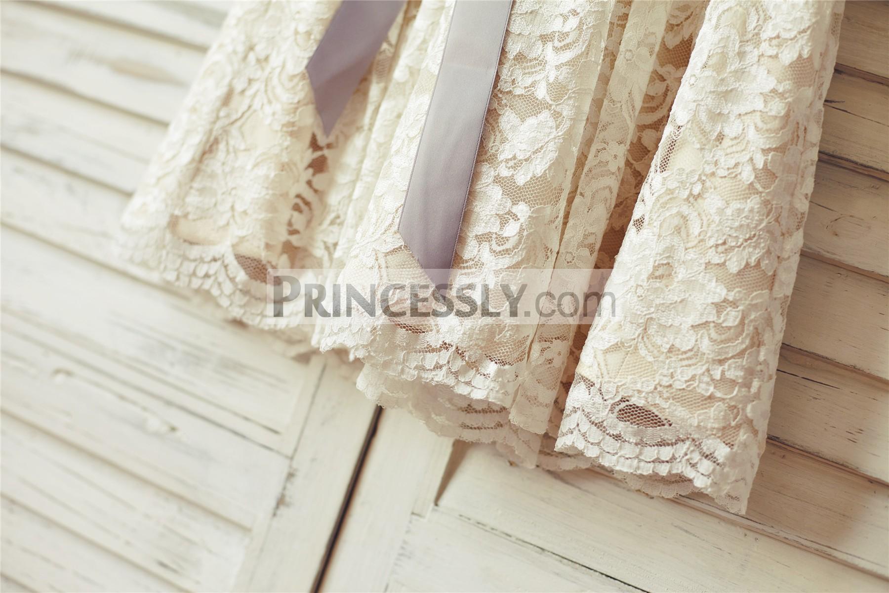 Scalloped hem of lace layered skirt