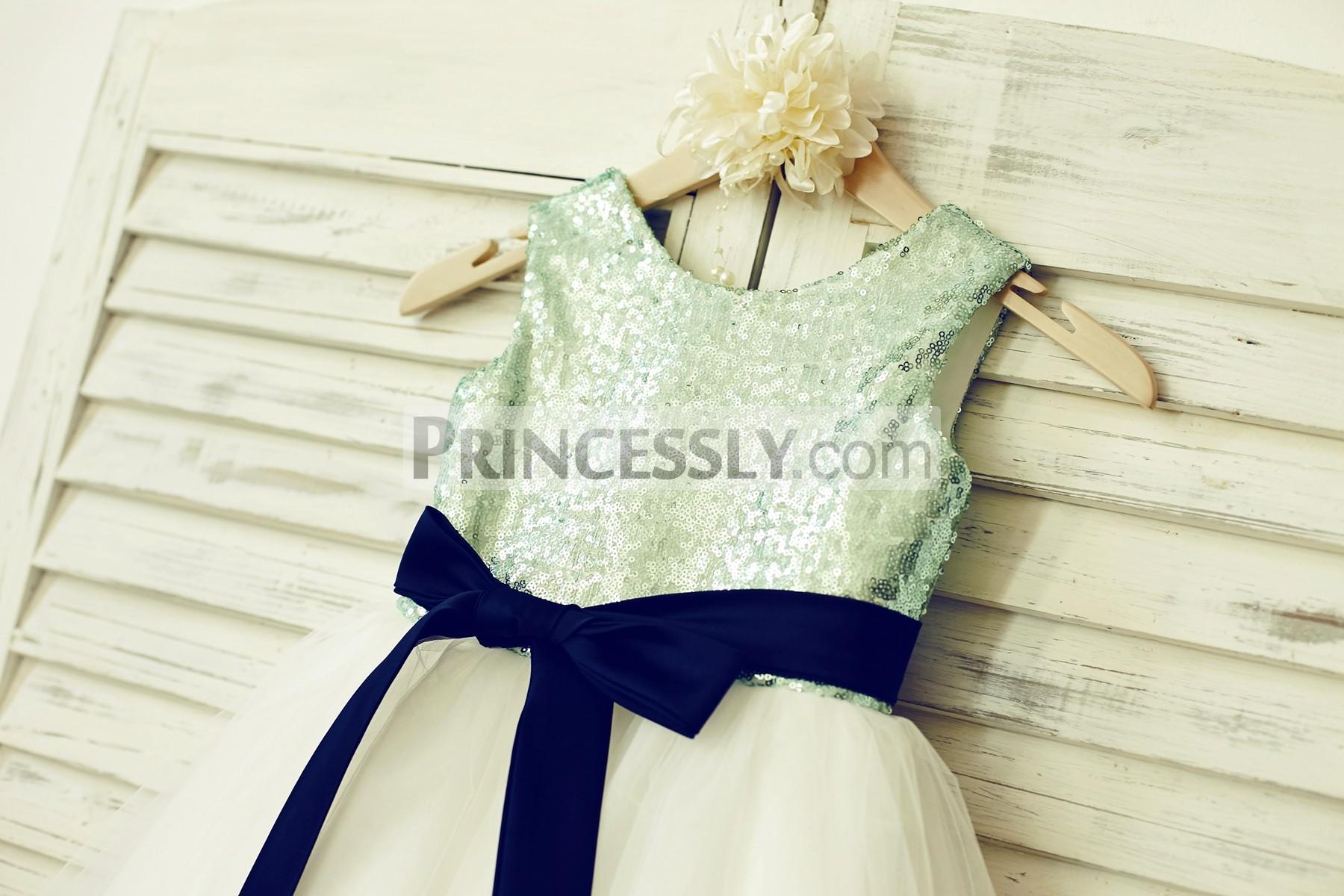 Scoop neckline sleeveless mint green sequin bodice
