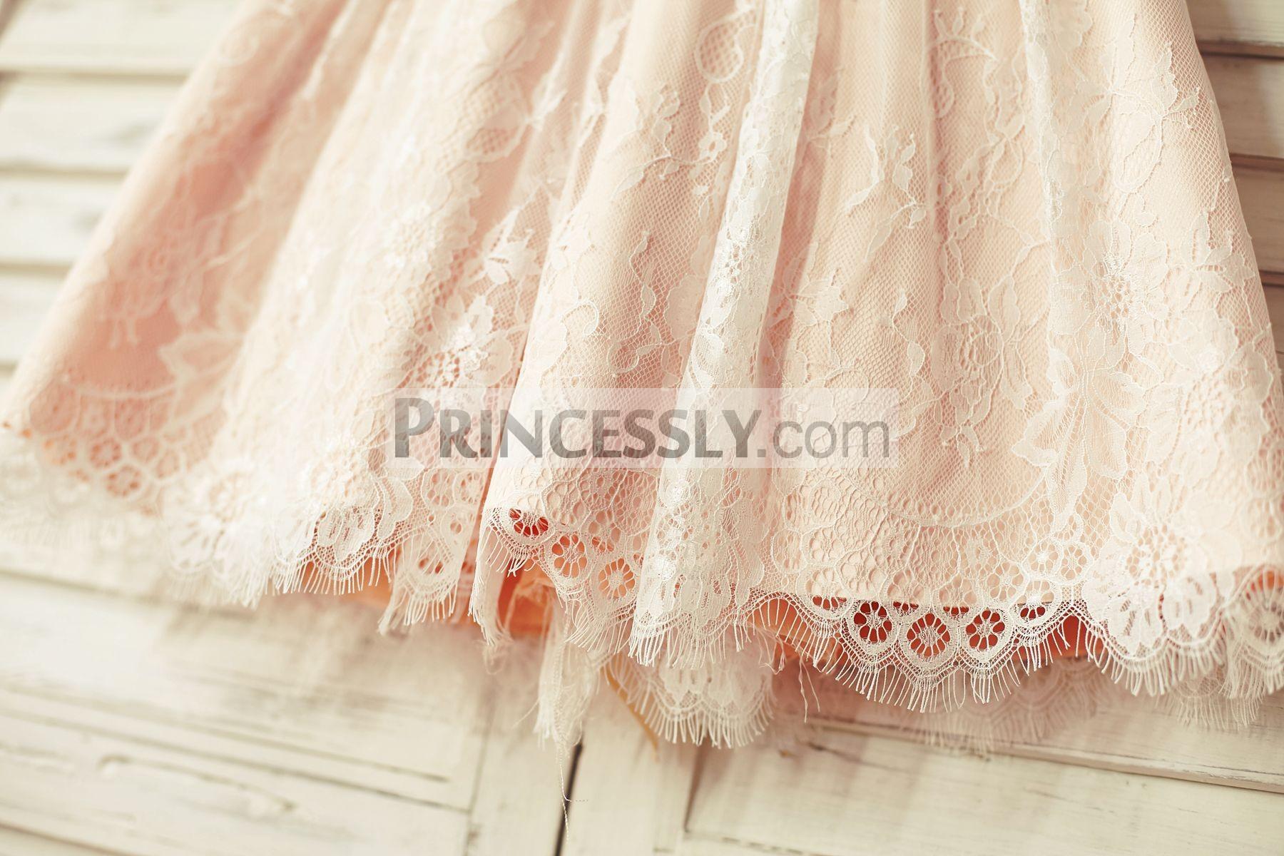 Pleated skirt with eyelash trim
