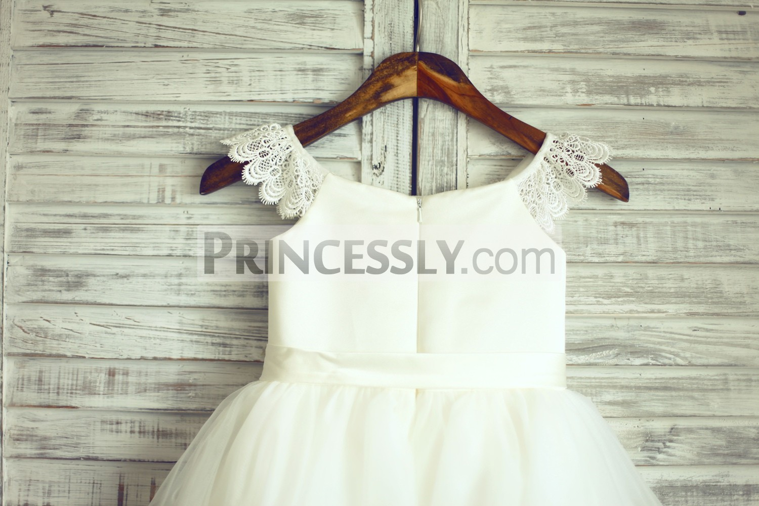 Ivory Lace Cap Sleeves Tulle Wedding Flower Girl Dress