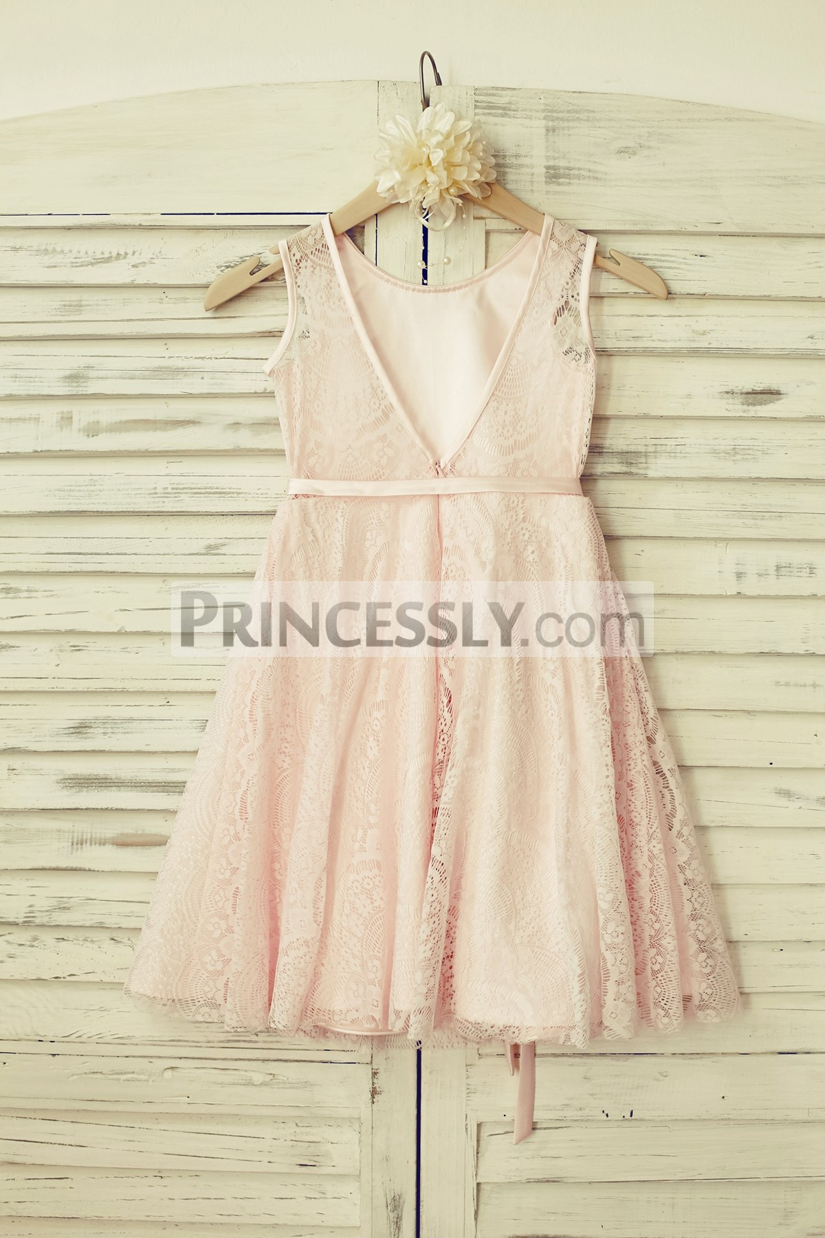 Deep V back lace wedding baby girl dress