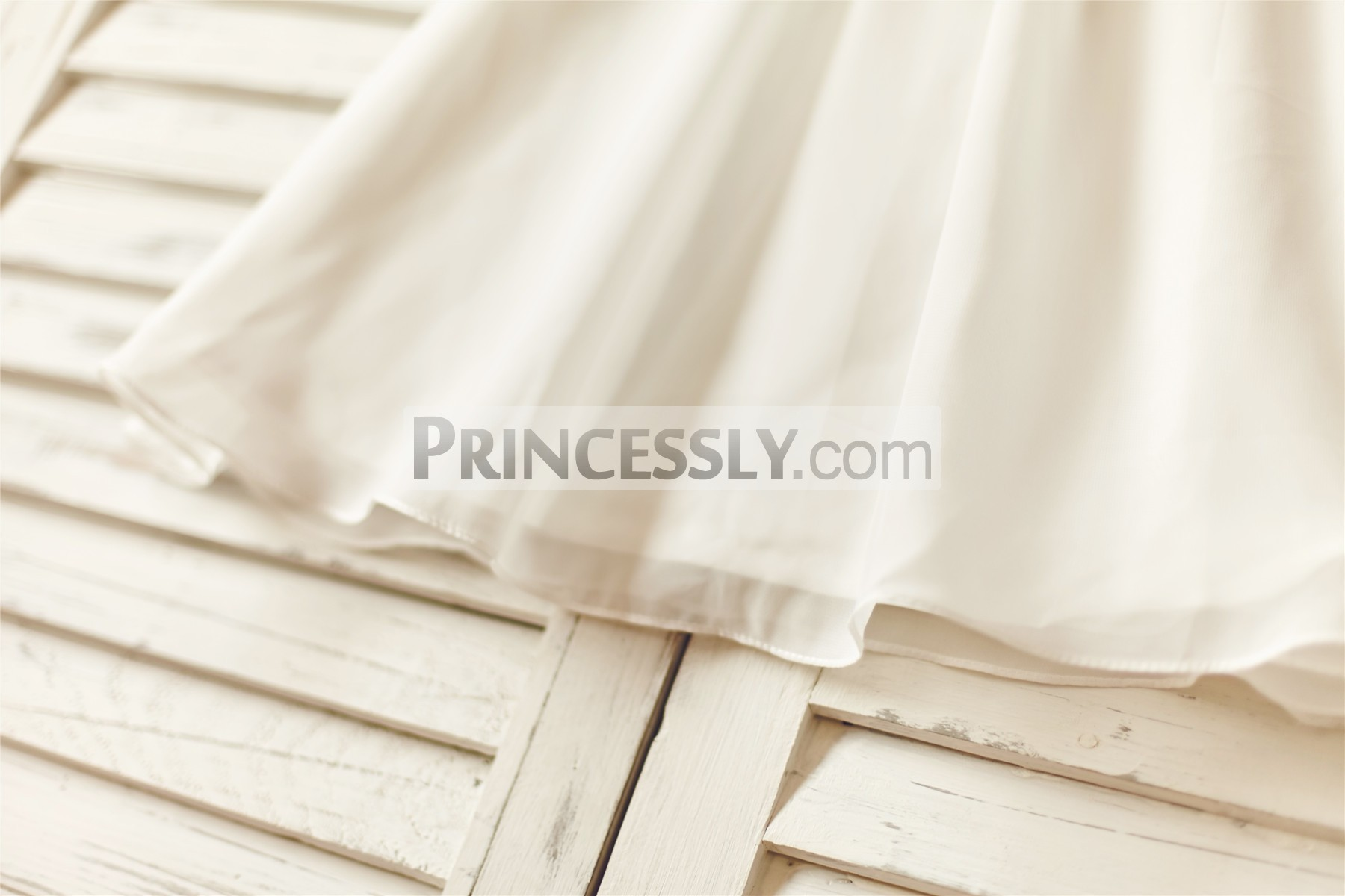 Soft ivory chiffon flow skirt