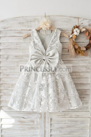 Princessly.com-K1003460-Ivory-Lace-Deep-V-Back-Wedding-Flower-Girl-Dress-with-Silver-lining-bow-32