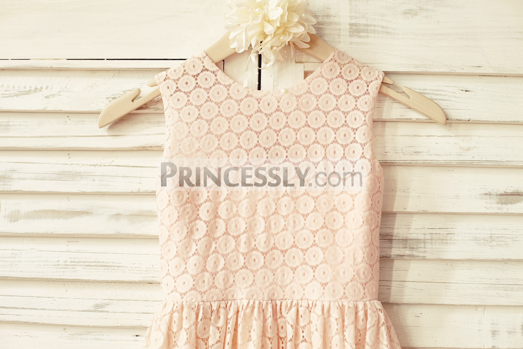 Scoop neck sleeveless blush pink lace bodice