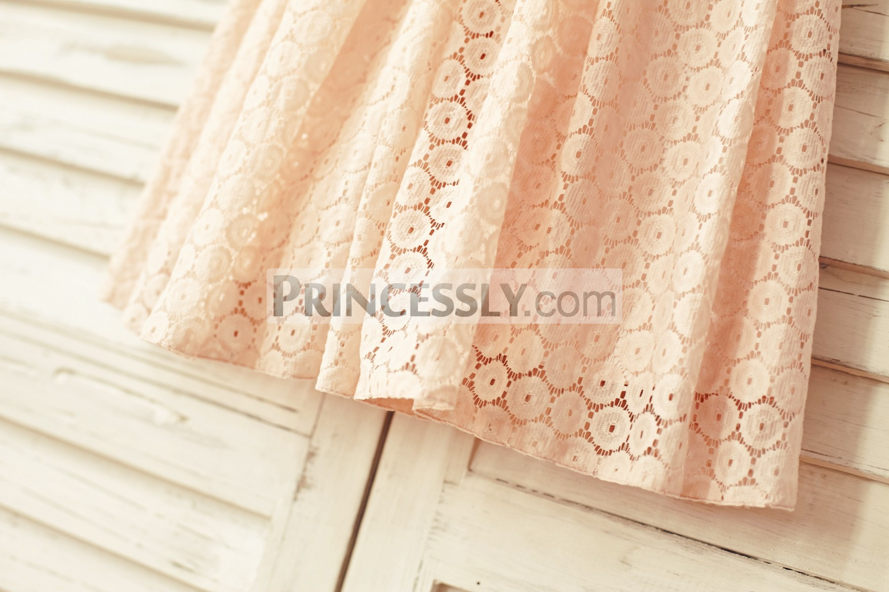 Pattern blush pink lace sheath skirt