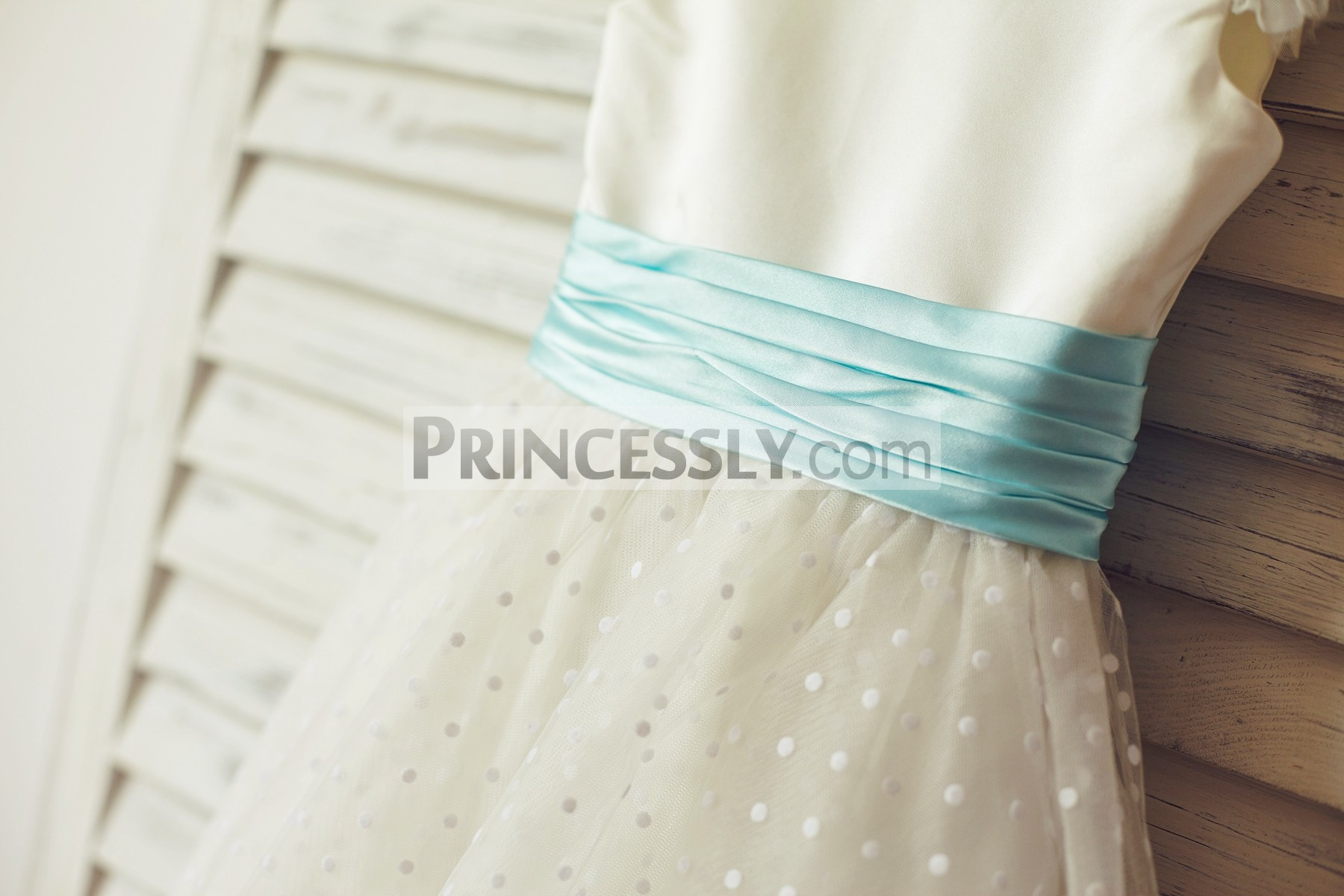 Pleated blue sash