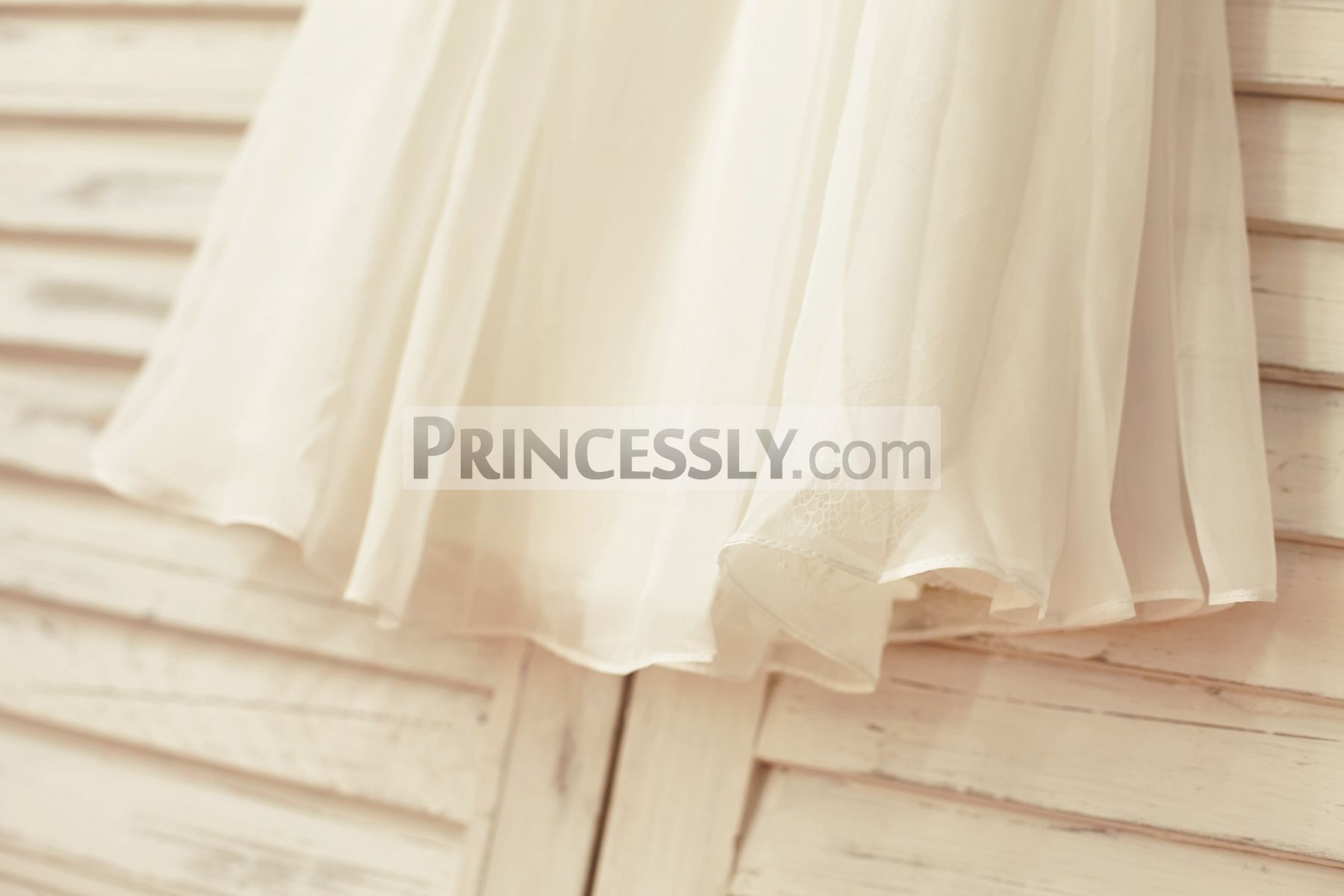 Flow skirt in ivory chiffon
