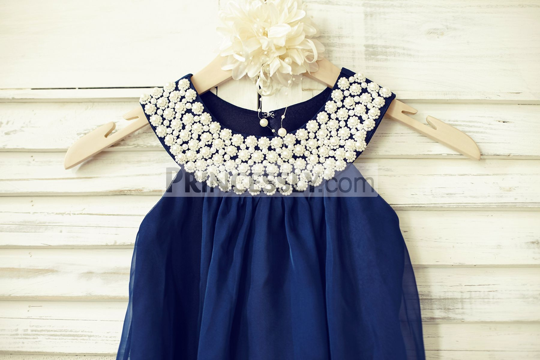 Sleeveless beaded pearls scoop neck bodice