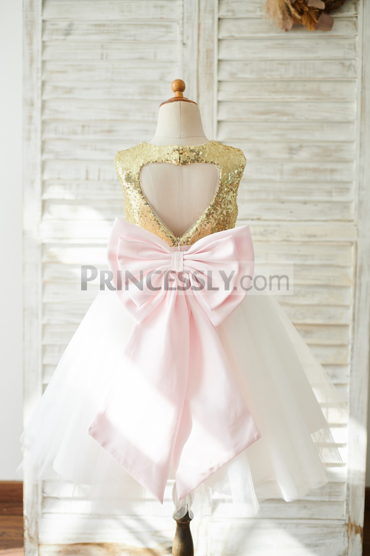 Keyhole Back Ivory Tulle Flower Girl Dress with Pink Bow