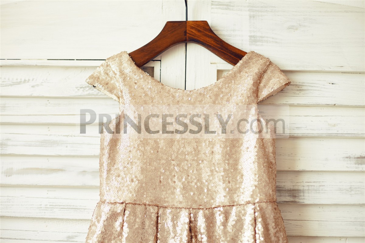 Scoop Neck Cap Sleeves Bodice