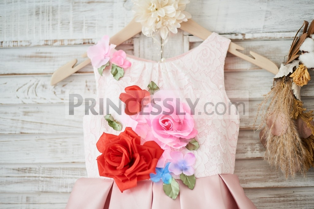 Handmade flowers on ivory lace bodice in scoop neck, sleeveless