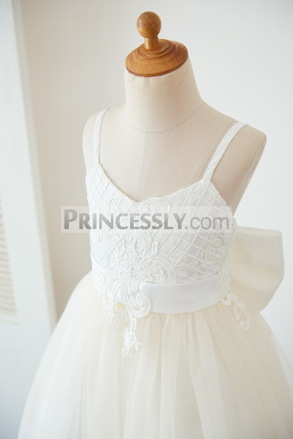 Check pattern lace bodice with belt
