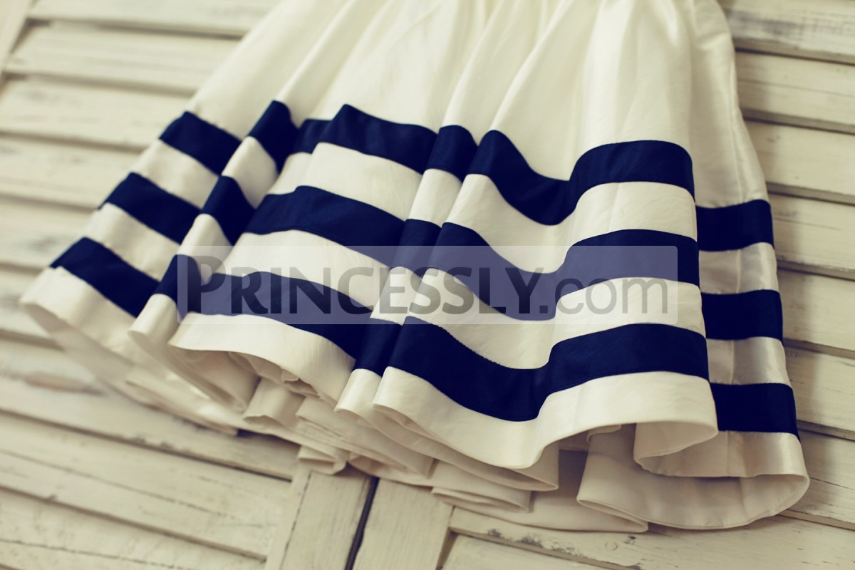 Navy blue stripes on skirt