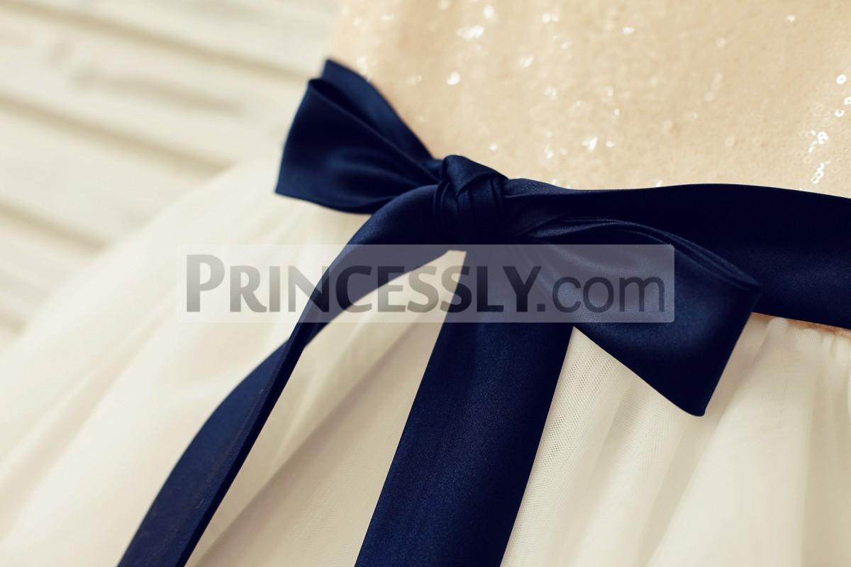 Detachable navy blue sash