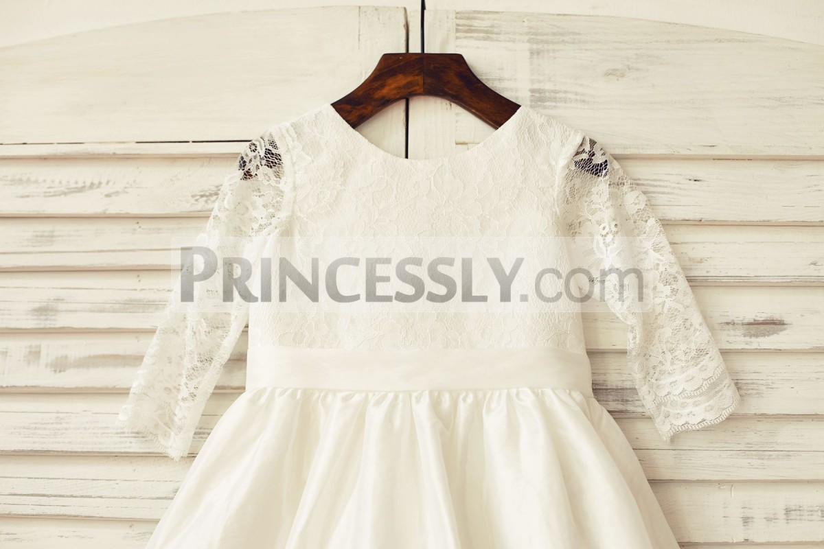 Long sleeves ivory lace bodice with fixed belt