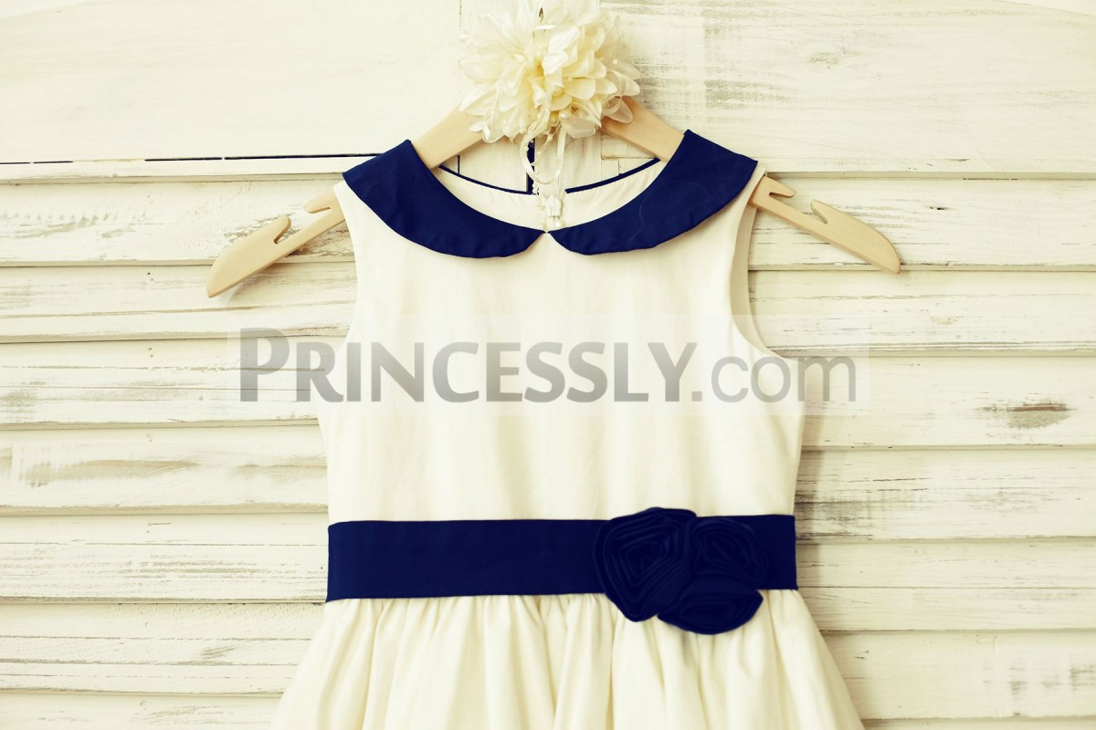 Ivory cotton bodice with navy blue peter pan collar & belt
