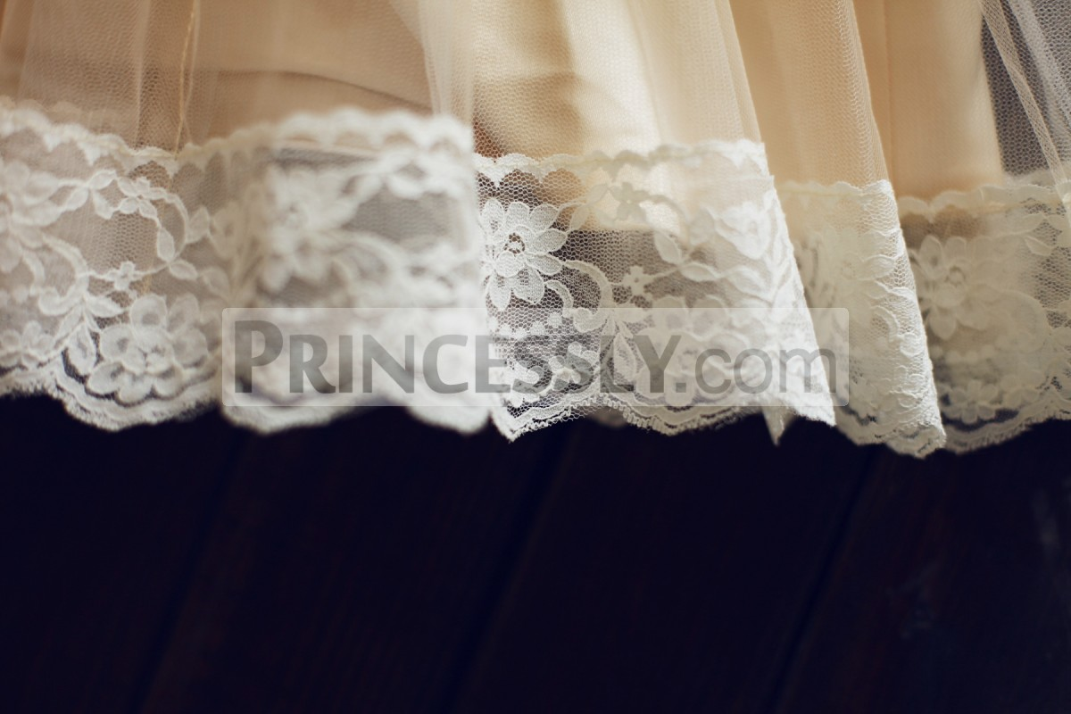 Lace trim hem on skirts