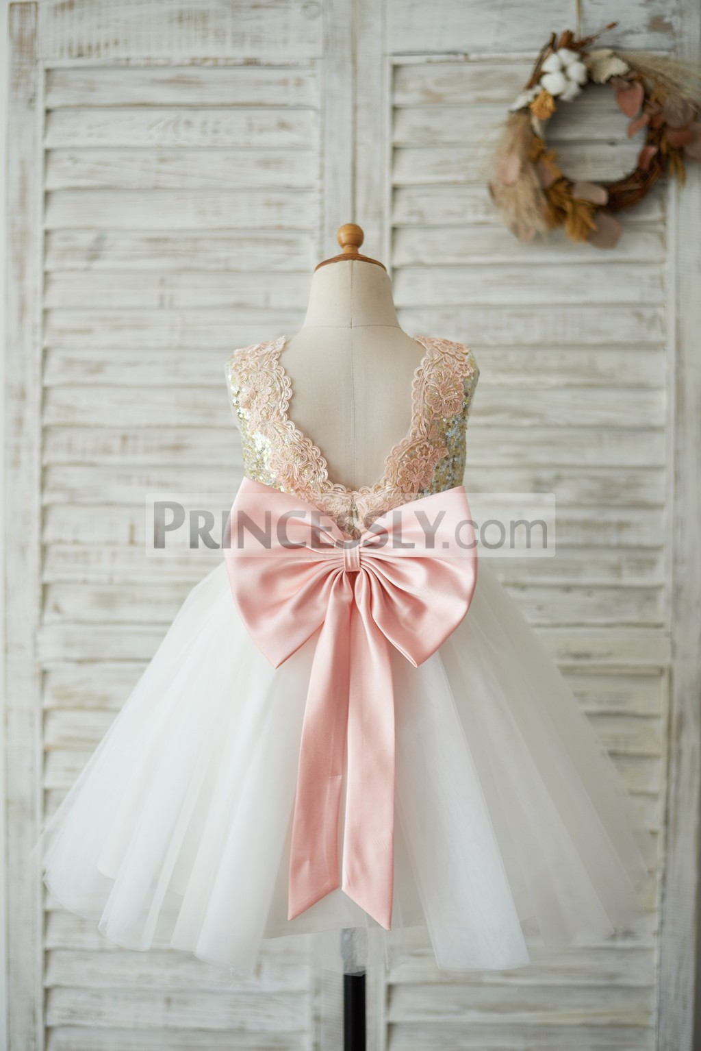 Pink lace along the V neck back wedding baby girl dress with big bow