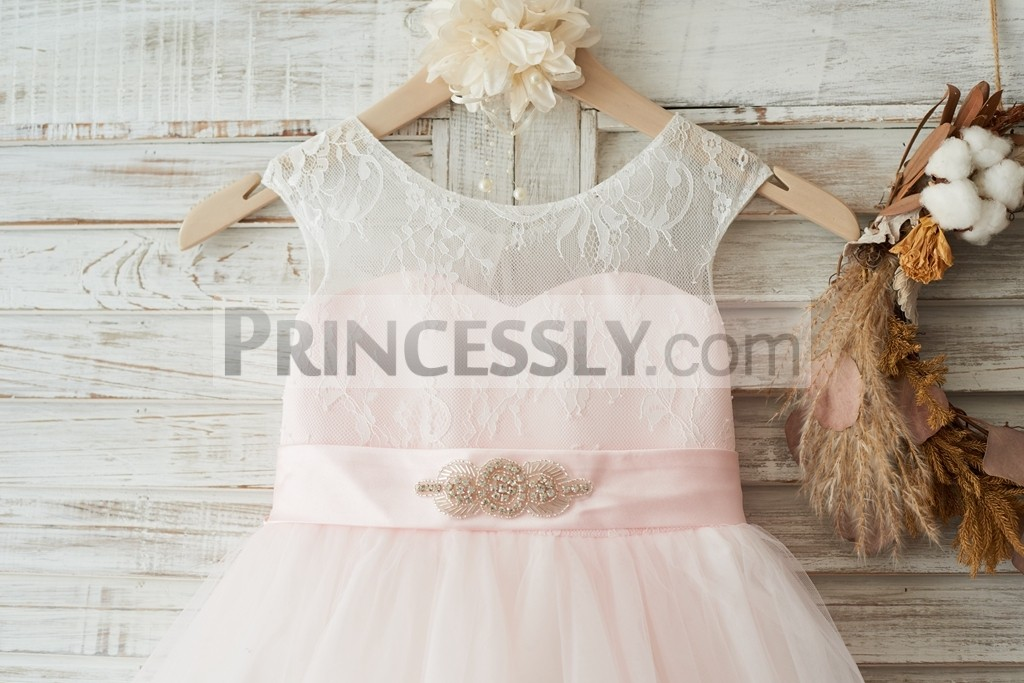Illusion lace with sweetheart pink lining
