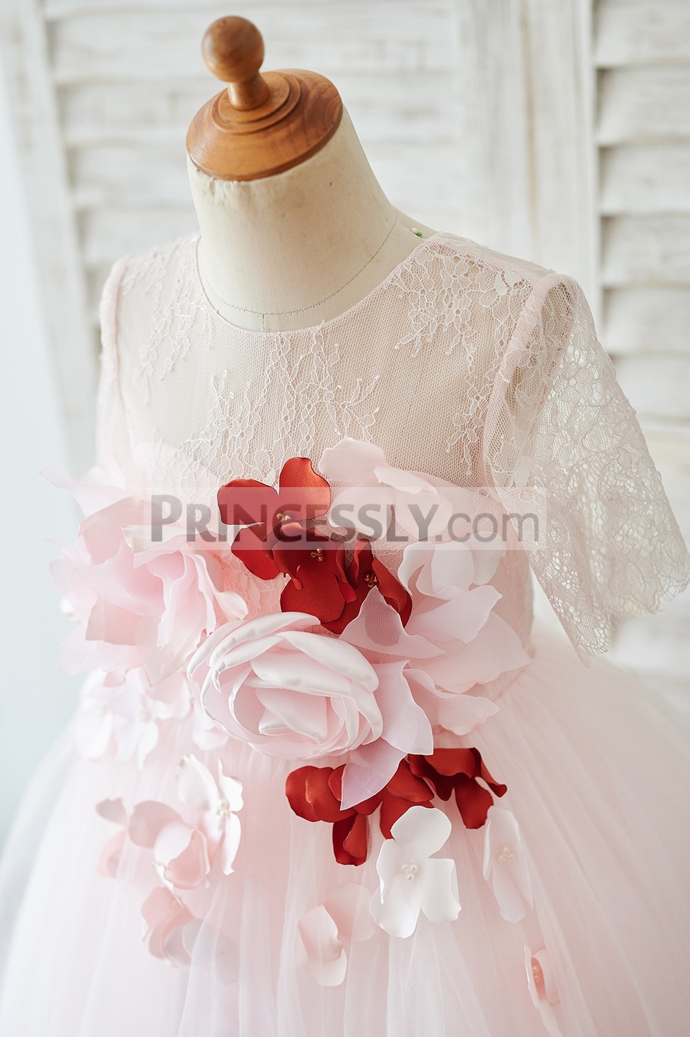 Lace overlay inside sweetheart lining bodice with 3D flowers